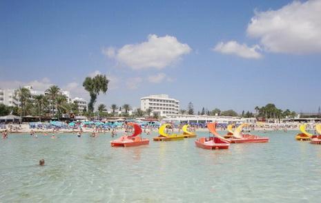 ... детей множеством весёлых и приятных: http://www.milletour.ru/vacation_with_children_in_cyprus/