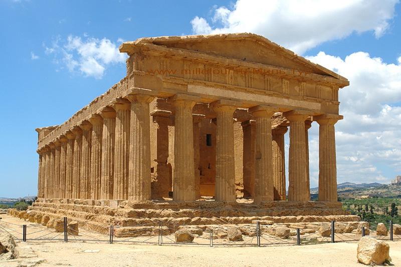 Многочисленные греческие храмы