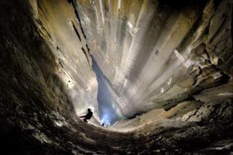 В Испании нашли новую вертикальную пещеру
