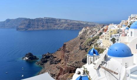 На Санторини ограничат количество круизных туристов